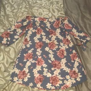 Tops - Floral off the shoulder tunic